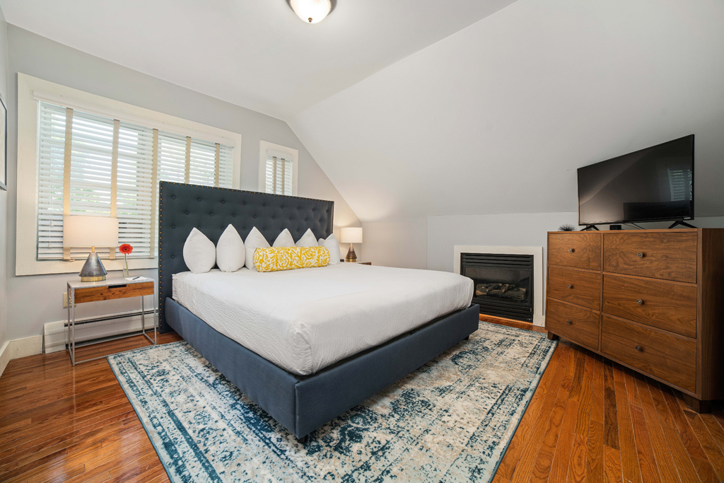 Carriage King Guestroom Interior